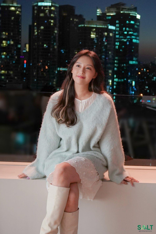 Mix & Phối - Style của Kim Ji Won trong phim mới: Đơn giản mà siêu xinh tươi lãng mạn, nhìn là muốn học theo bằng hết - chanvaydep.net 5