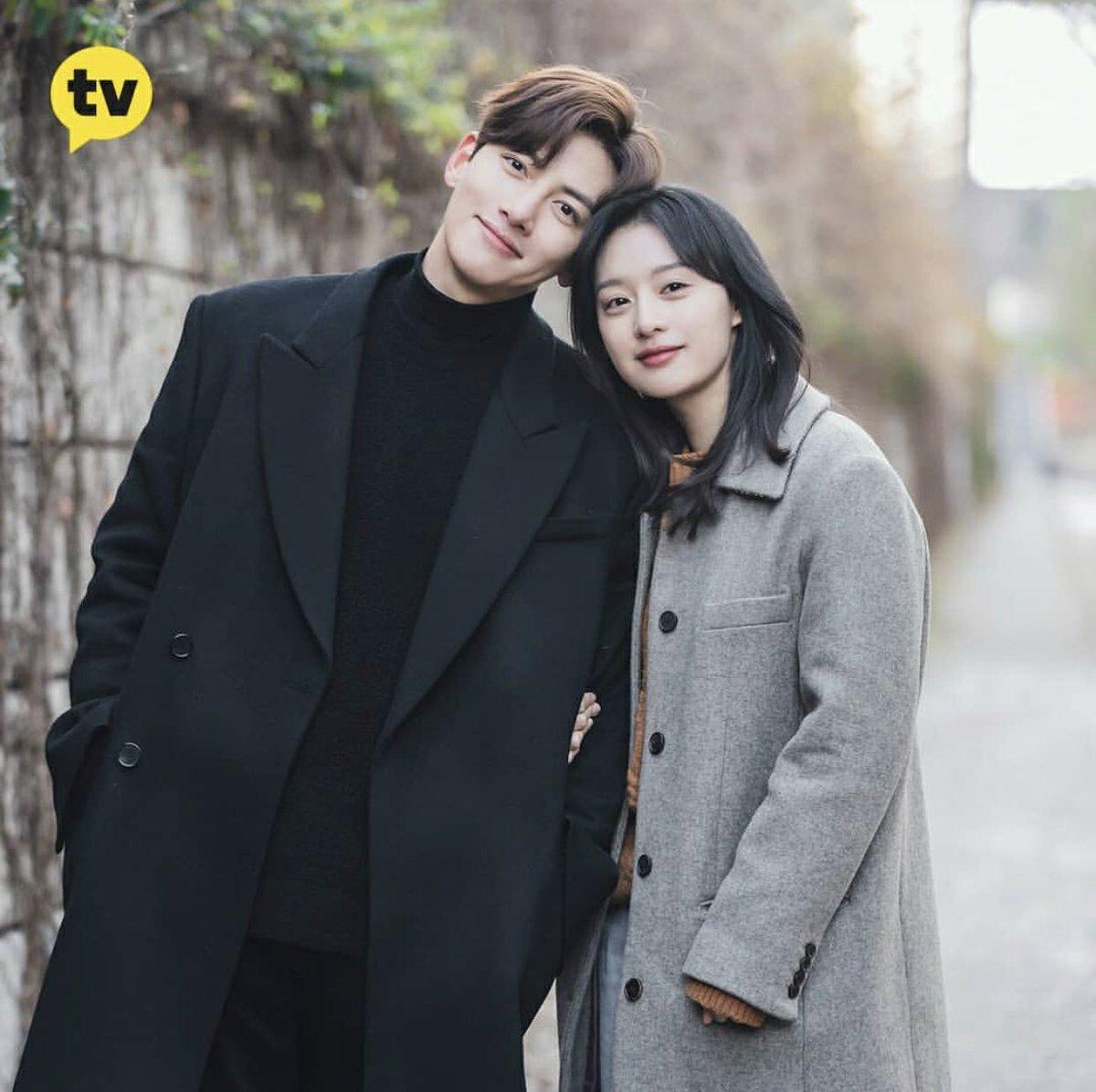 Style của Kim Ji Won trong phim mới: Đơn giản mà siêu xinh tươi lãng mạn, nhìn là muốn học theo bằng hết - Ảnh 6.