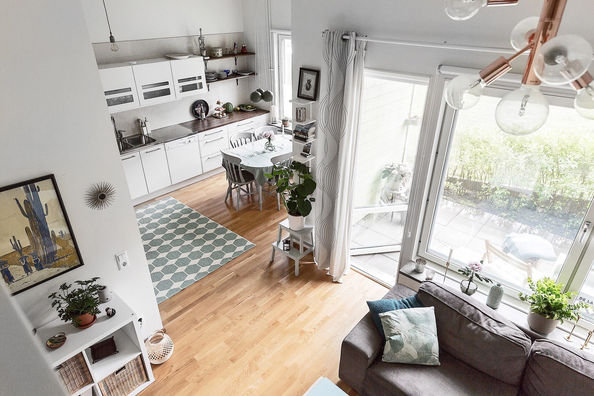 Căn hộ 40m² rộng thênh  thang với đủ các góc chức năng dành cho gia đình trẻ - Ảnh 3.