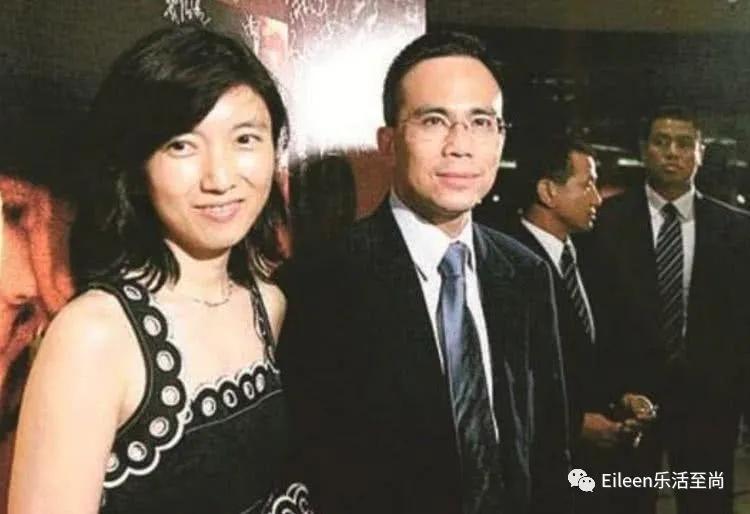 Con dâu may mắn của tỷ phú giàu nhất Hồng Kông: Nàng Lọ Lem đổi đời nhờ 1 bữa tiệc, trở thành thái tử phi của đế chế siêu hùng mạnh - Ảnh 2.