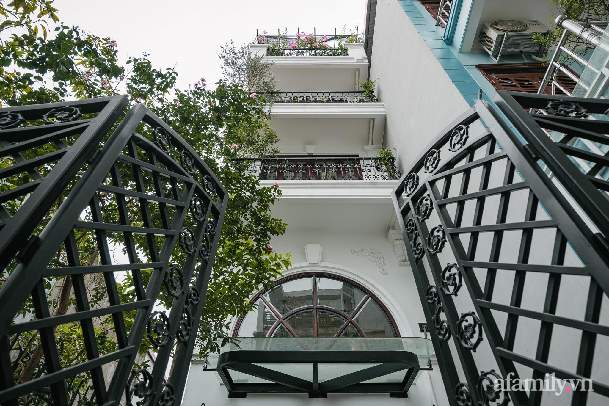 Căn nhà của miền ký ức được xây dựng từ lòng hiếu thảo của con trai dành cho bố mẹ ở Long Biên, Hà Nội - Ảnh 1.