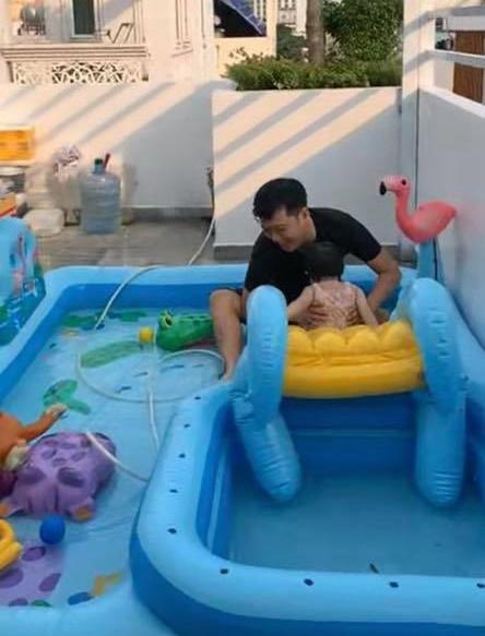Nhã Phương tiết lộ khoảnh khắc Trường Giang chơi đùa với con gái cực đáng yêu - Ảnh 2.