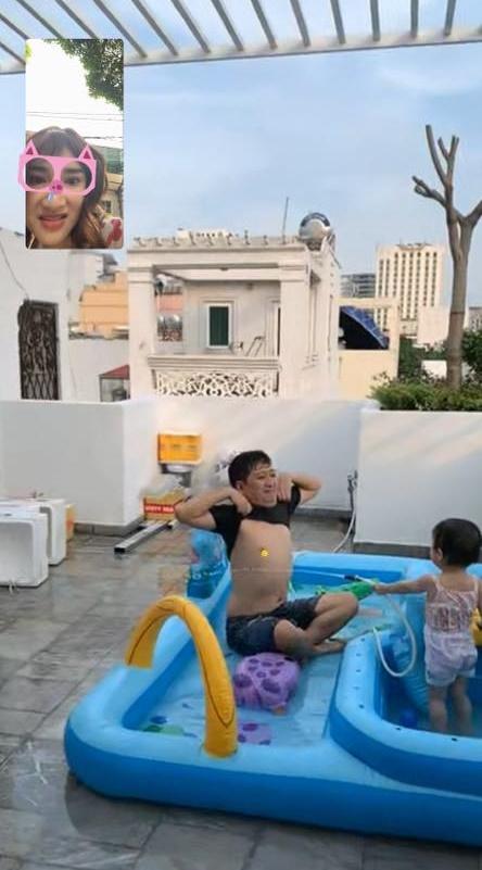 Nhã Phương tiết lộ khoảnh khắc Trường Giang chơi đùa với con gái cực đáng yêu - Ảnh 4.