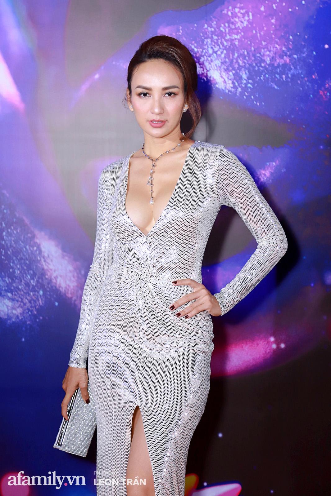"""Fashion Festival ngày cuối: Midu đẹp tựa thần tiên, nhưng giật spotlight lại là gương mặt """"mới cứng"""" của showbiz Việt  - Ảnh 17."""