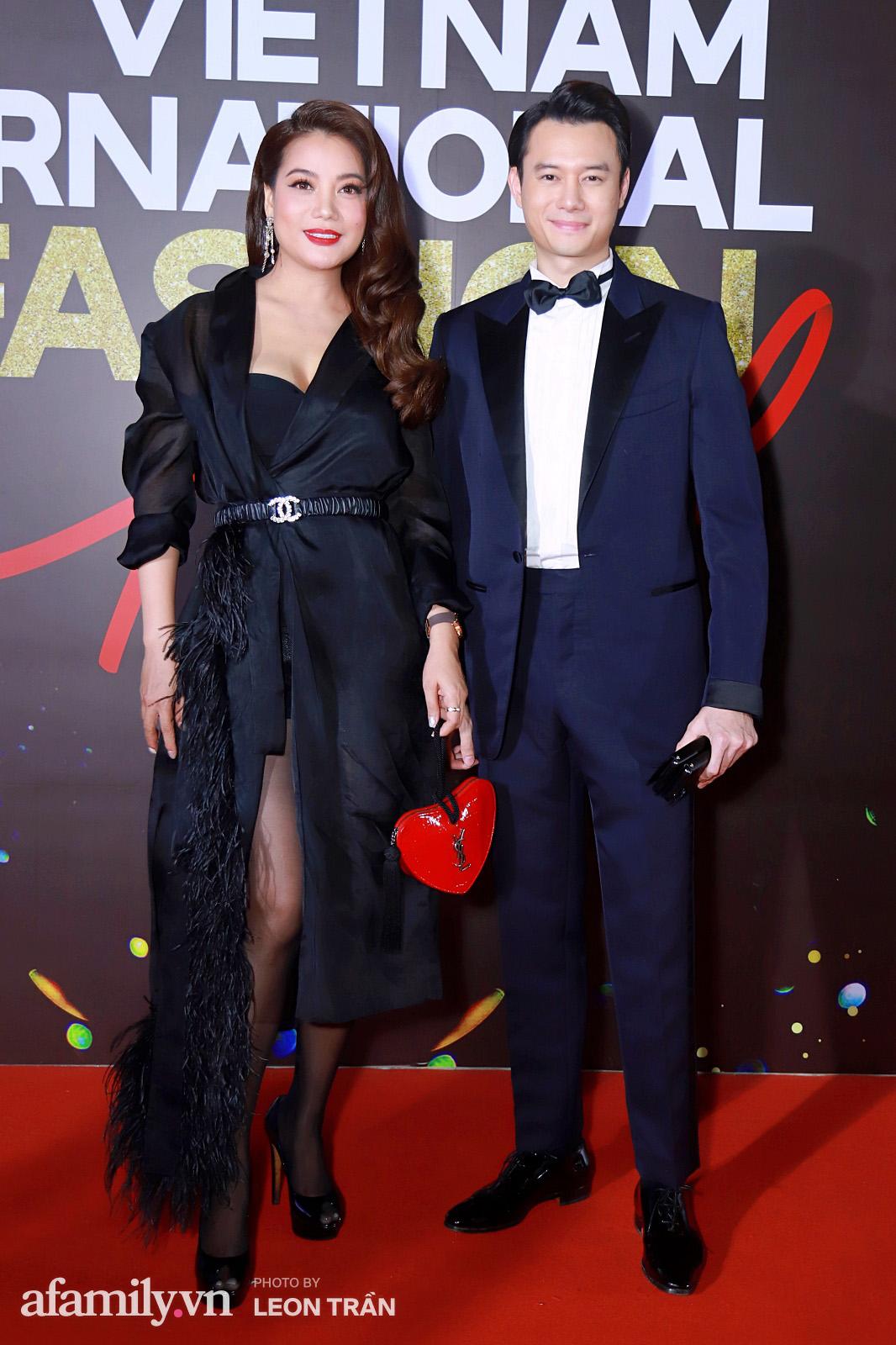 """Fashion Festival ngày cuối: Midu đẹp tựa thần tiên, nhưng giật spotlight lại là gương mặt """"mới cứng"""" của showbiz Việt  - Ảnh 4."""