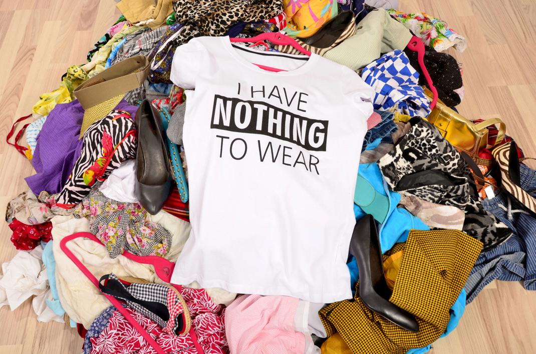 Tự đặt nguyên tắc không mua quần áo mới trong hai năm, tôi thấy nhẹ gánh tài chính và tâm lý hơn nhiều - Ảnh 4.