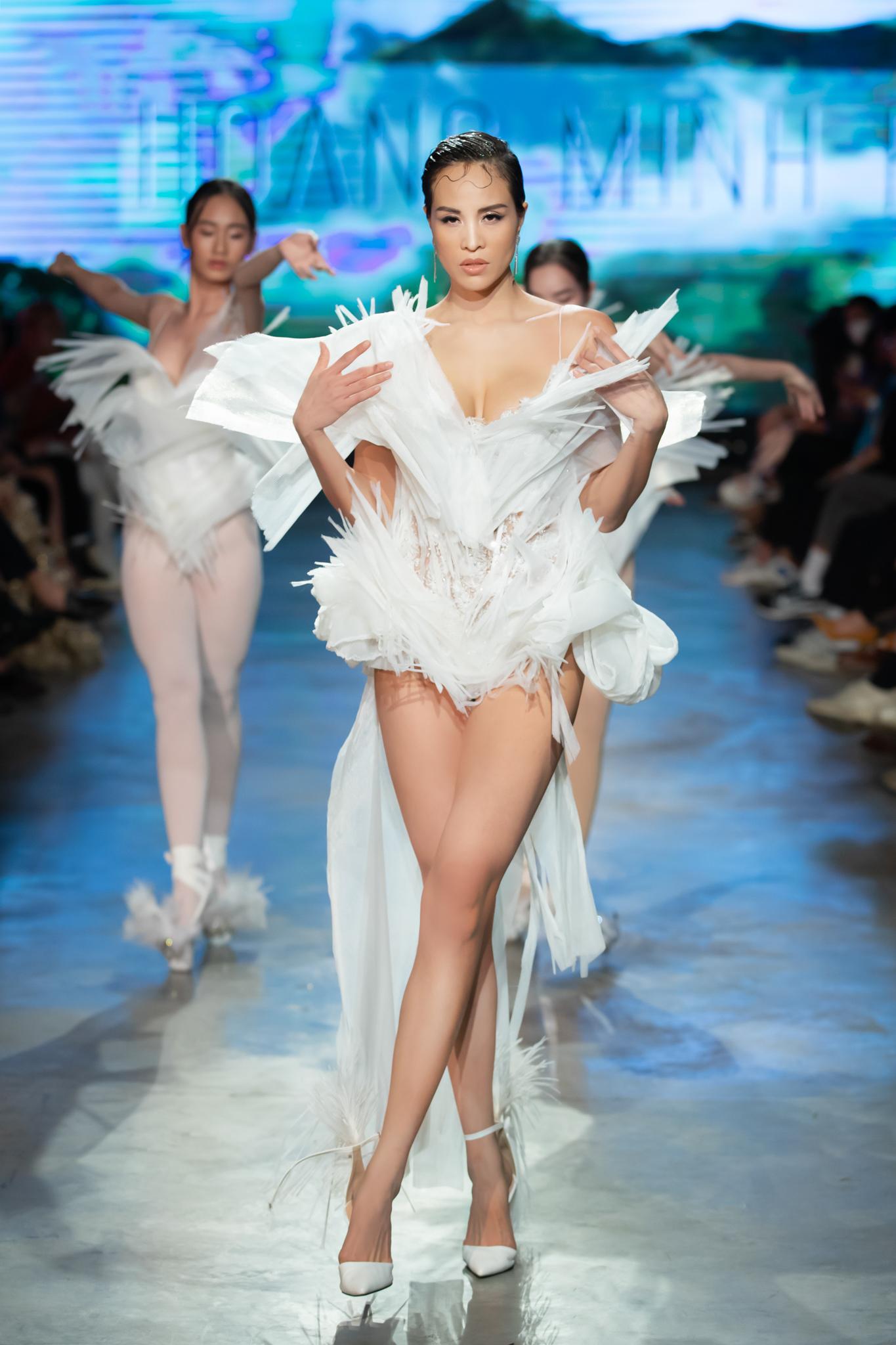 Phương Mai hóa thân thành vũ công múa cột, Võ Hoàng Yến nhảy múa tung tăng trên sàn rumway ngày cuối Fashion Festival - Ảnh 8.
