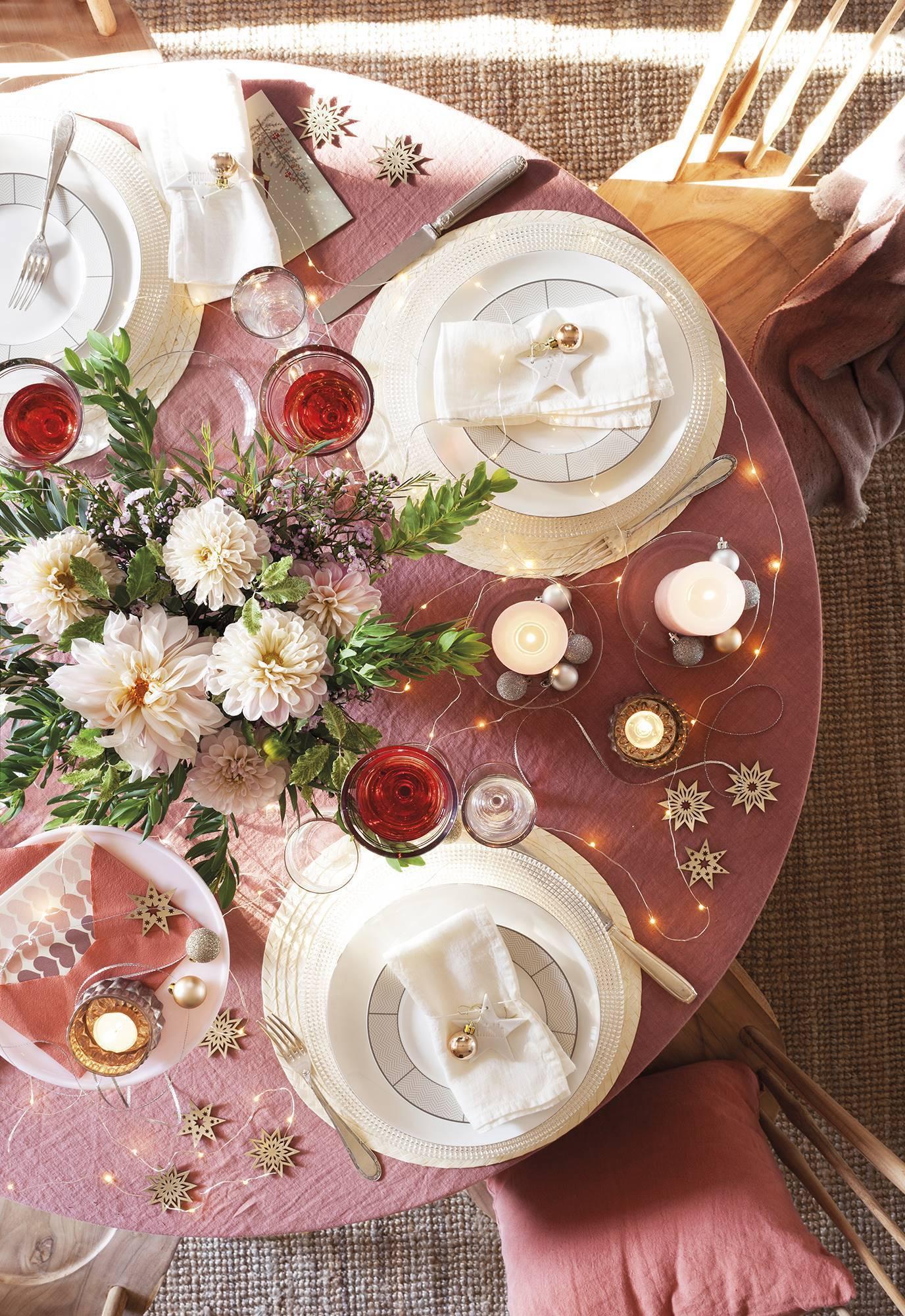 Căn nhà bừng sáng lung linh mùa Giáng sinh nhờ khéo mix đồ trang trí - Ảnh 6.