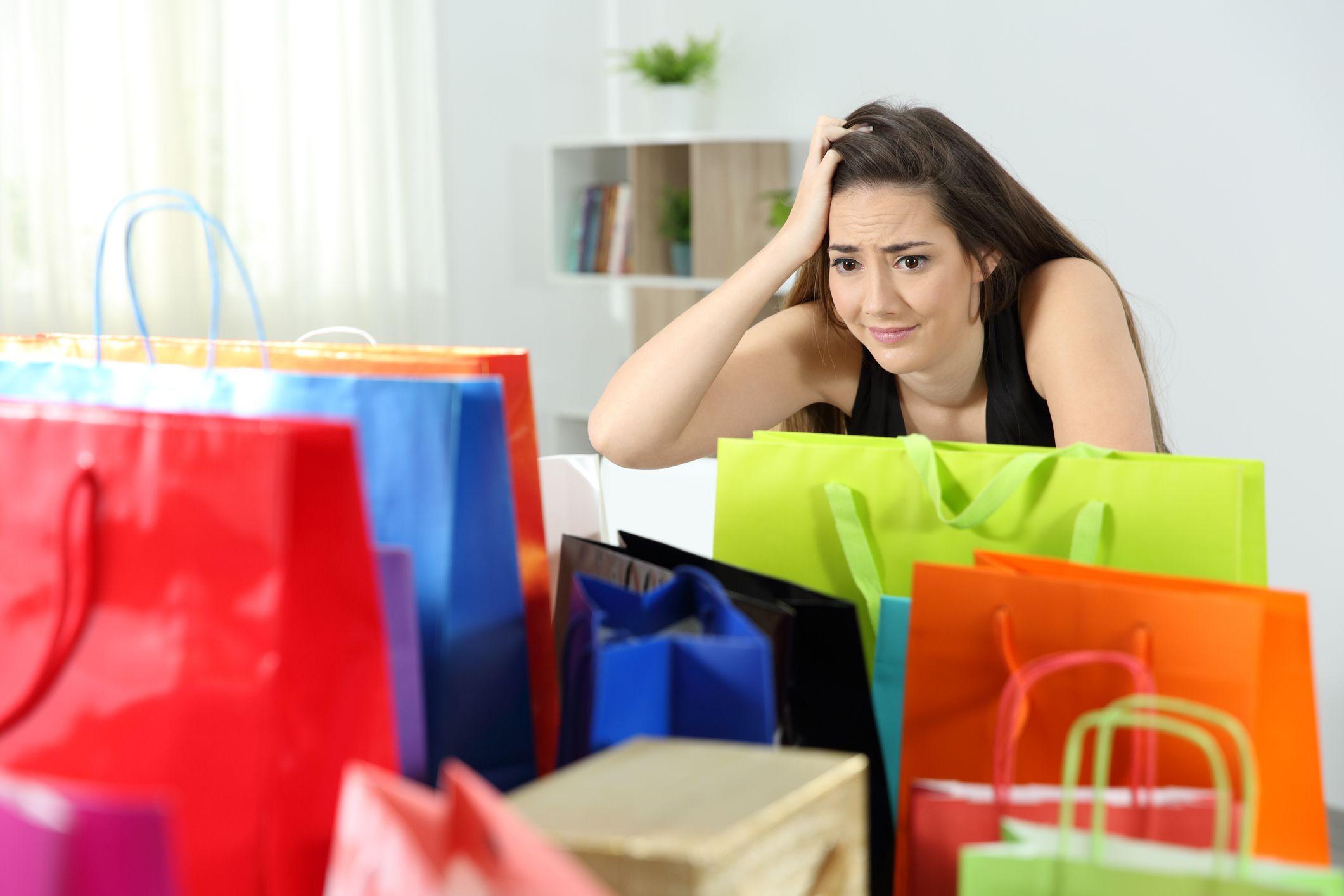 5 Thói quen chi tiêu cần loại bỏ ngay hôm nay nếu bạn không còn muốn kẹt trong nợ nần - Ảnh 4.