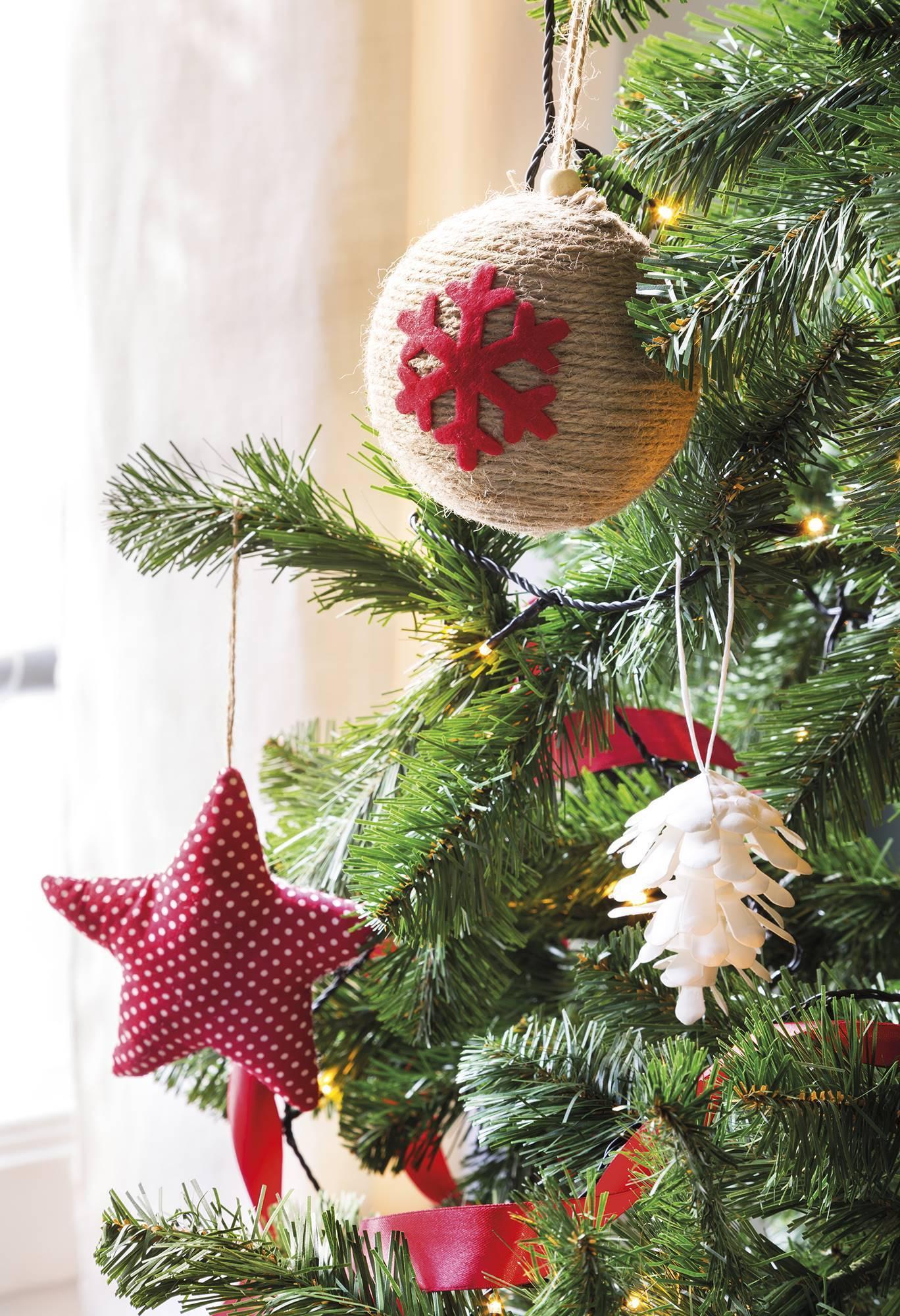 Căn nhà bừng sáng lung linh mùa Giáng sinh nhờ khéo mix đồ trang trí - Ảnh 2.