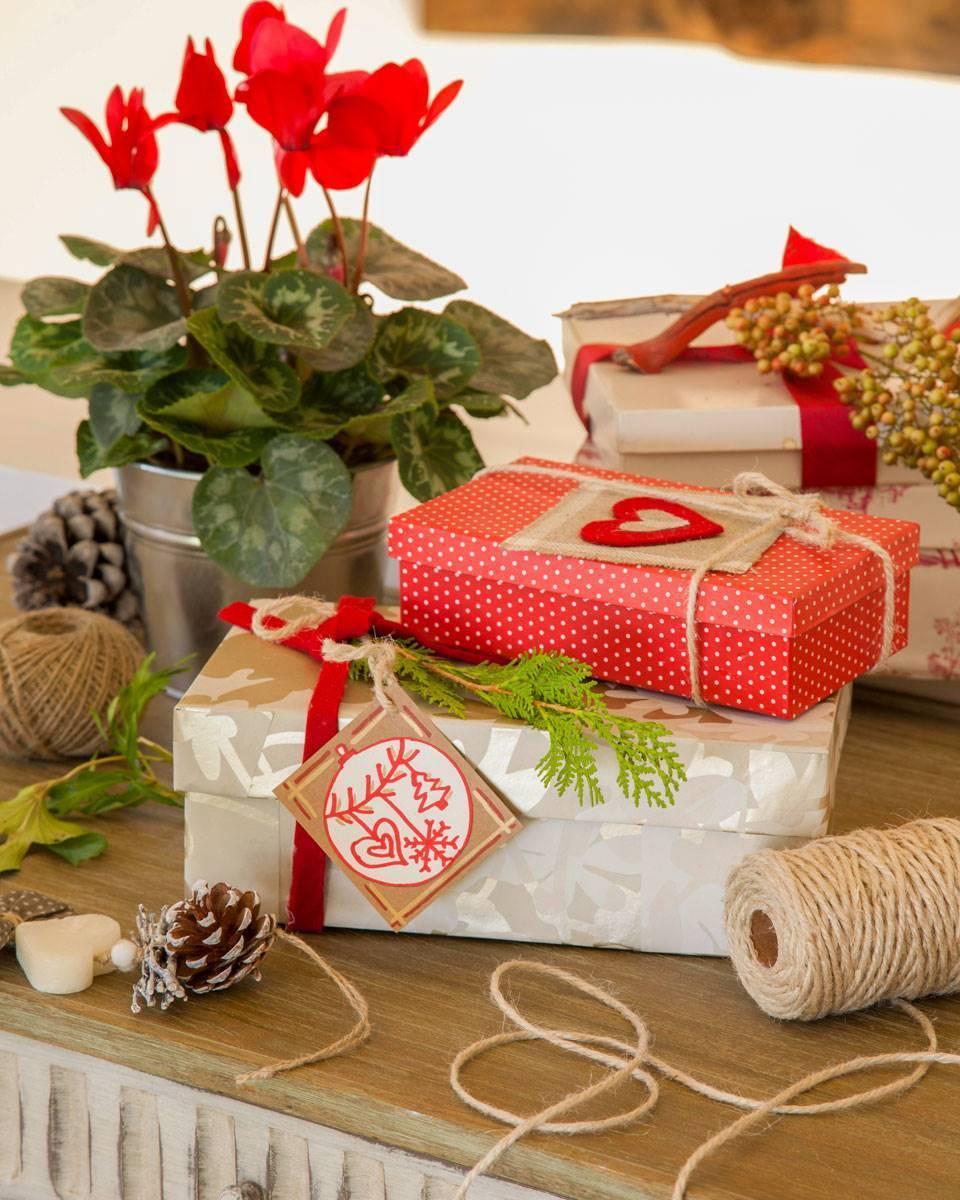 Căn nhà bừng sáng lung linh mùa Giáng sinh nhờ khéo mix đồ trang trí - Ảnh 11.