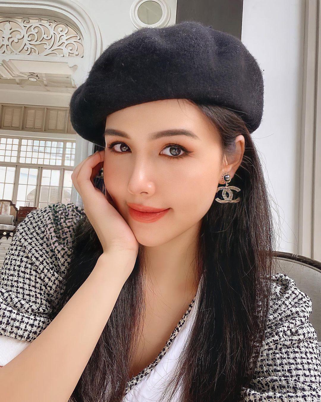 """Đi vào """"vết xe đổ"""" của Tzuyu (Twice), Phanh Lee vừa thử đổi tóc mới đã bị dân tình chê tơi tả - Ảnh 1."""