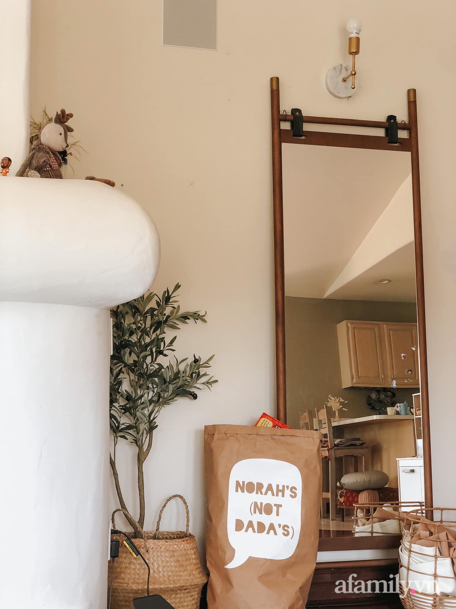 Căn nhà gói những bình yên đẹp như bài thơ với ánh nắng ngập tràn quanh năm của mẹ Việt ở Mỹ - Ảnh 10.