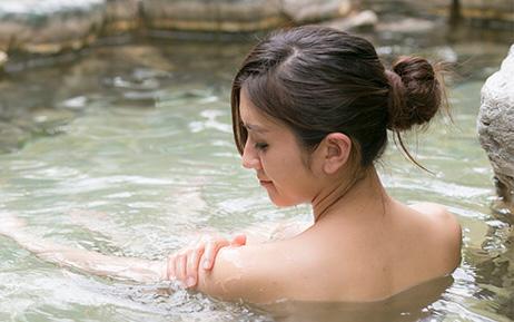 """7 bộ phận quan trọng phụ nữ cần làm sạch đúng cách khi tắm, bằng không vi khuẩn sẽ """"trú ngụ"""" và gây hàng tá bệnh"""