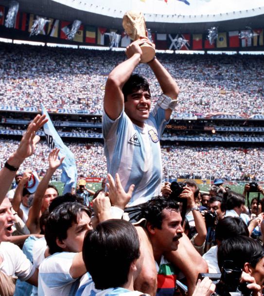 Huyền thoại Diego Maradona và vết trượt dài trong tệ nạn để rồi nhận hậu quả nặng nề cho những năm tháng chơi bời không hồi kết - Ảnh 2.