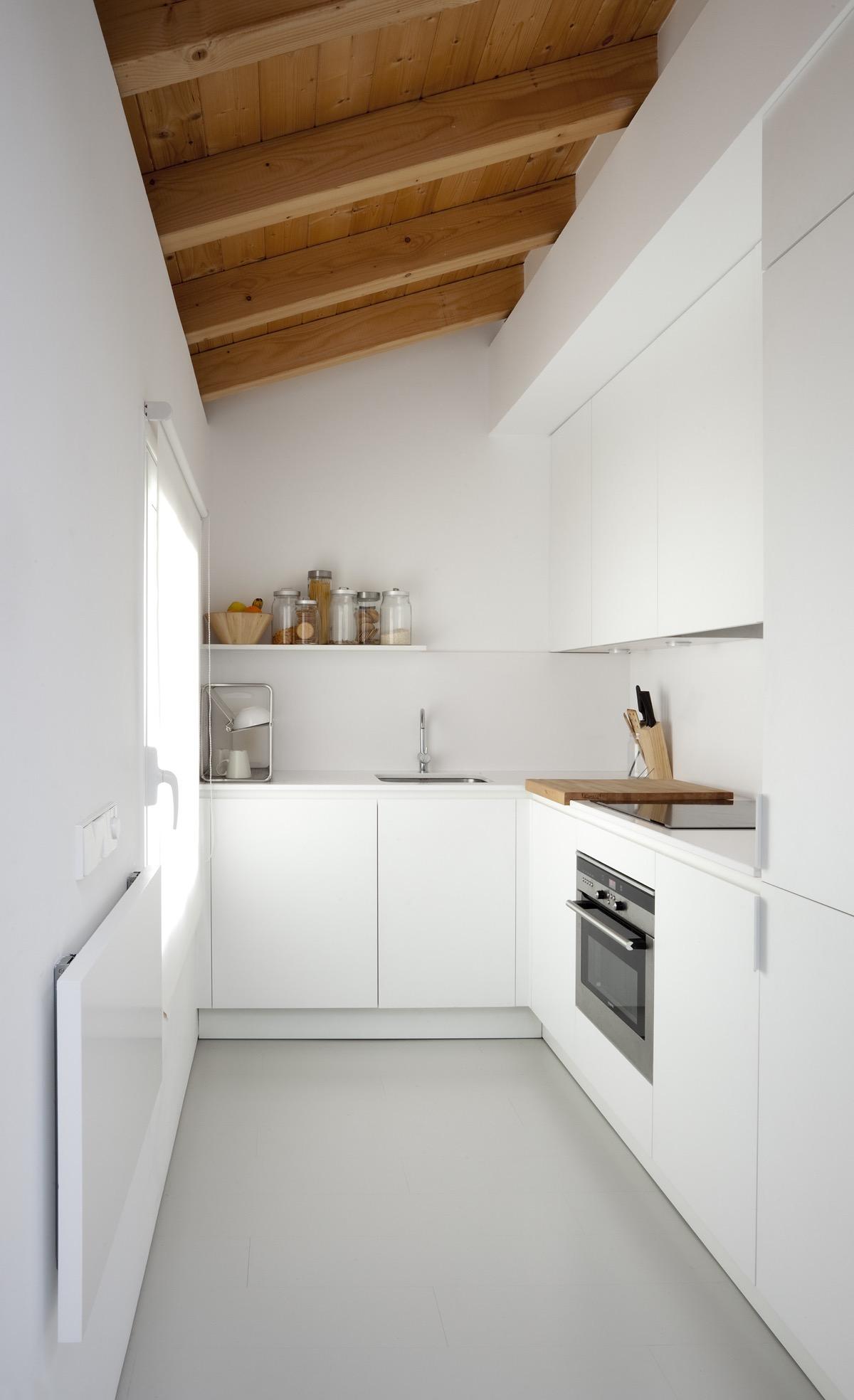 23 mẫu phòng bếp tối giản với tone màu trắng chủ đạo sẽ khiến bạn không thể không yêu - Ảnh 20.