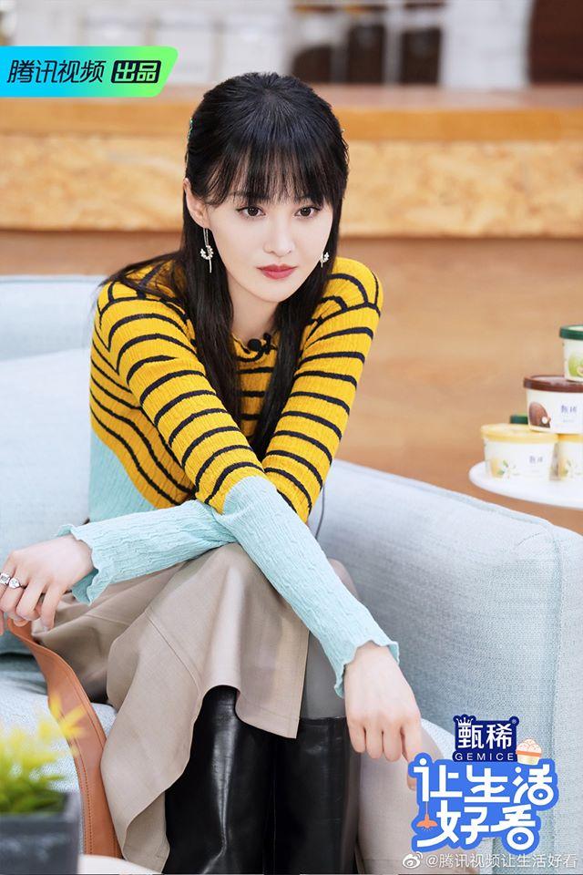 """Trịnh Sảng đọc tiếng Anh sai lè, netizen cãi nhau là đáng yêu hay """"dốt mà còn hay che giấu"""" - Ảnh 2."""