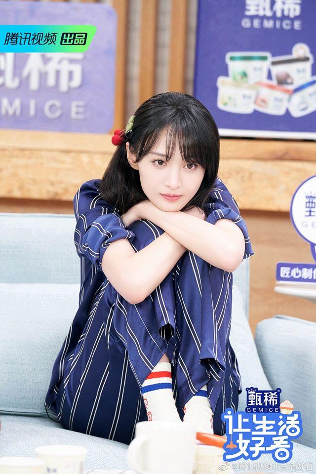 """Trịnh Sảng đọc tiếng Anh sai lè, netizen cãi nhau là đáng yêu hay """"dốt mà còn hay che giấu"""" - Ảnh 3."""