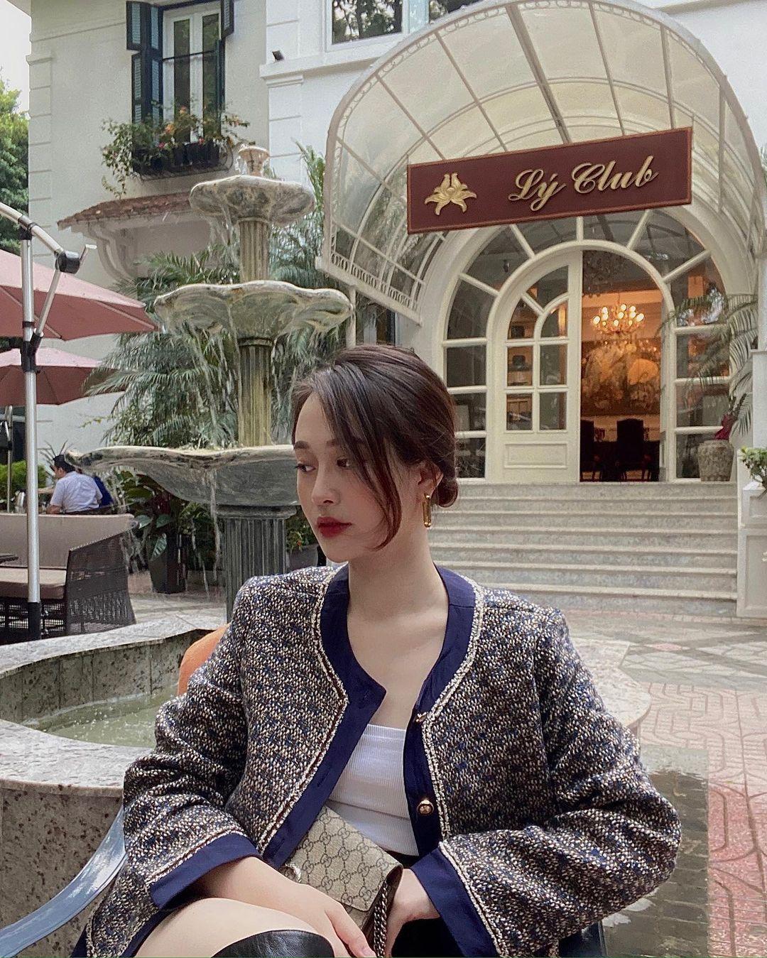 """Song Hye Kyo, Lan Khuê, Thanh Hằng """"đại chiến"""" với áo khoác vải tweed: Hot item đáng sắm nhất lúc này đây rồi - Ảnh 7."""