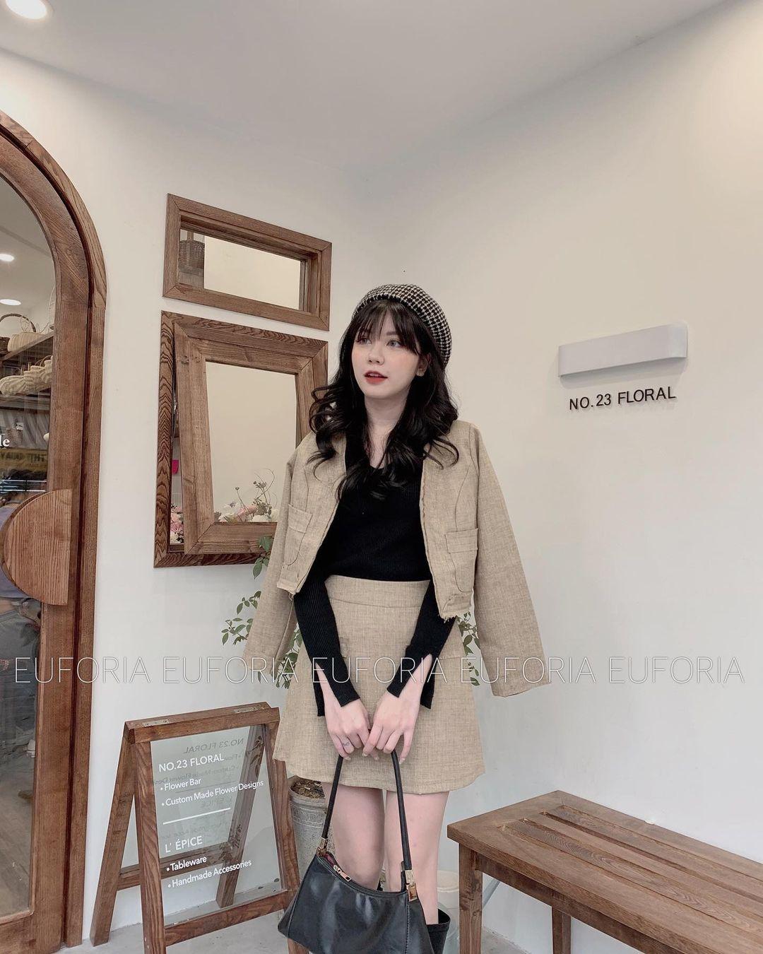 """Song Hye Kyo, Lan Khuê, Thanh Hằng """"đại chiến"""" với áo khoác vải tweed: Hot item đáng sắm nhất lúc này đây rồi - Ảnh 17."""