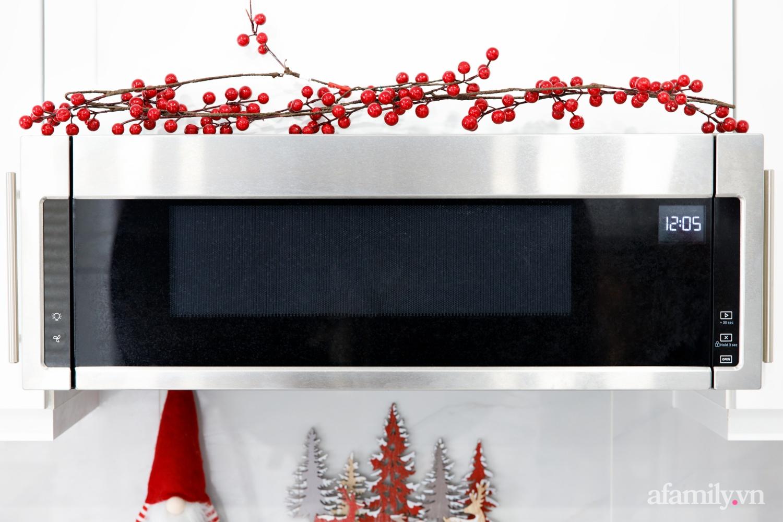 Căn bếp trắng – đỏ đẹp bình an đón Giáng sinh về của mẹ Việt ở Canada - Ảnh 15.