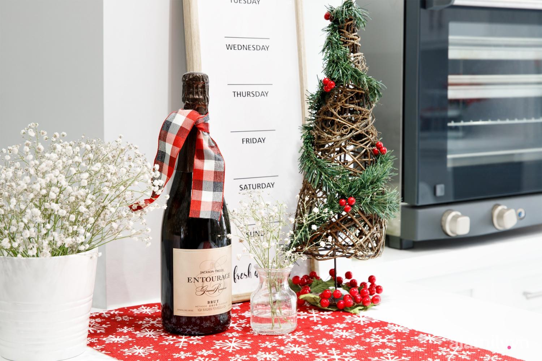Căn bếp trắng – đỏ đẹp bình an đón Giáng sinh về của mẹ Việt ở Canada - Ảnh 10.
