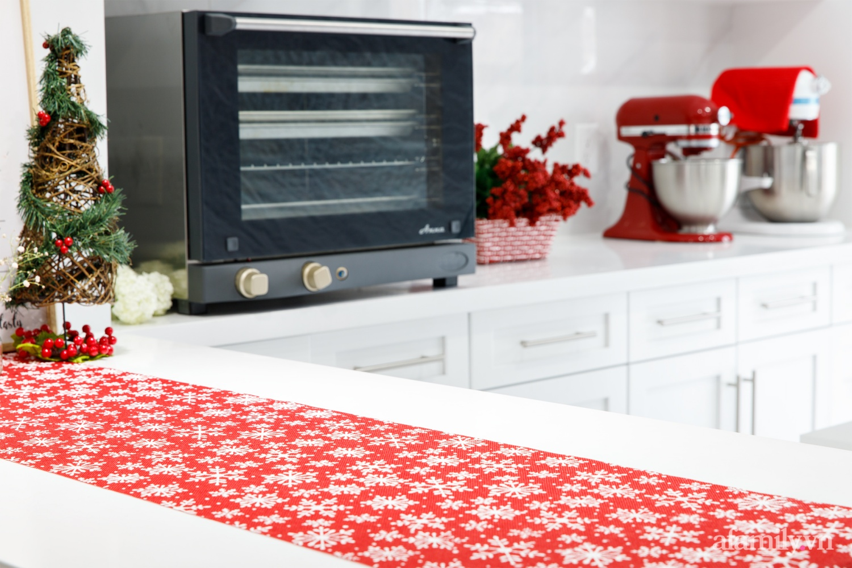 Căn bếp trắng – đỏ đẹp bình an đón Giáng sinh về của mẹ Việt ở Canada - Ảnh 9.