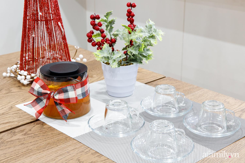 Căn bếp trắng – đỏ đẹp bình an đón Giáng sinh về của mẹ Việt ở Canada - Ảnh 12.