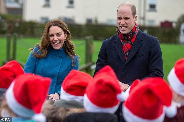 Bị nhà Sussex cố tình chiếm spotlight và nhận ý kiến trái chiều về chuyến đi 3 ngày, Công nương Kate có phản ứng khiến nhiều người nể phục - Ảnh 1.