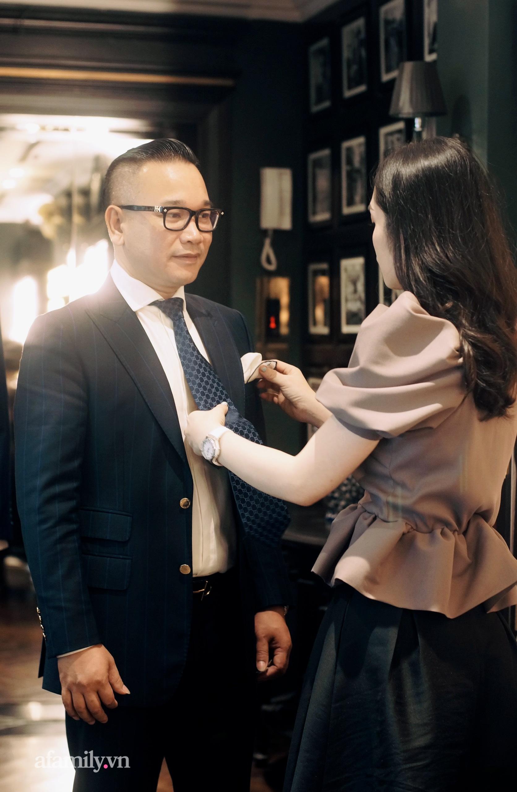 """Phu nhân kín tiếng nhà Chương Tailor tiết lộ áp lực khi làm vợ """"ông trùm"""" thời trang, tiền và phong cách không thiếu nhưng làm sao tạo ra bản ngã của riêng mình!? - Ảnh 4."""