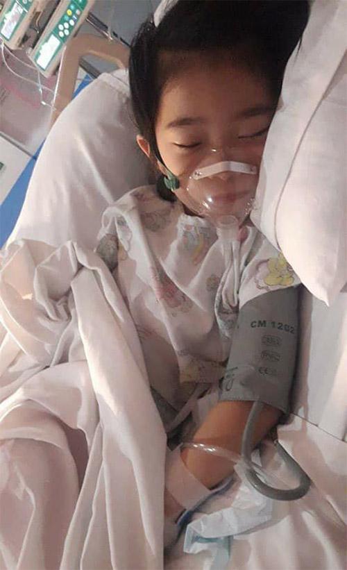 Tâm sự nhói lòng của người mẹ về con gái bị tiểu đường nặng lấy đi nước mắt của biết bao người - Ảnh 2.