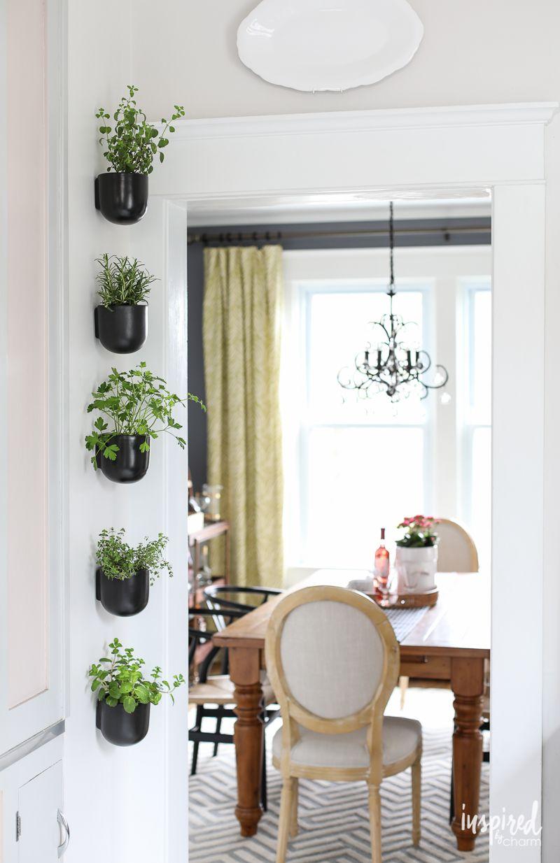 Những khu vườn thẳng đứng dễ thiết kế tạo màu xnh tươi mát cho ngôi nhà củ bạn - Ảnh 2.