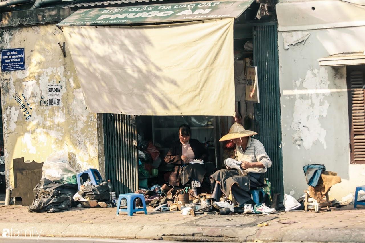 Chờ qua bao ngày Hà Nội mưa nồm, cũng bõ công góp nhặt được một ngày nắng ráo - Ảnh 13.