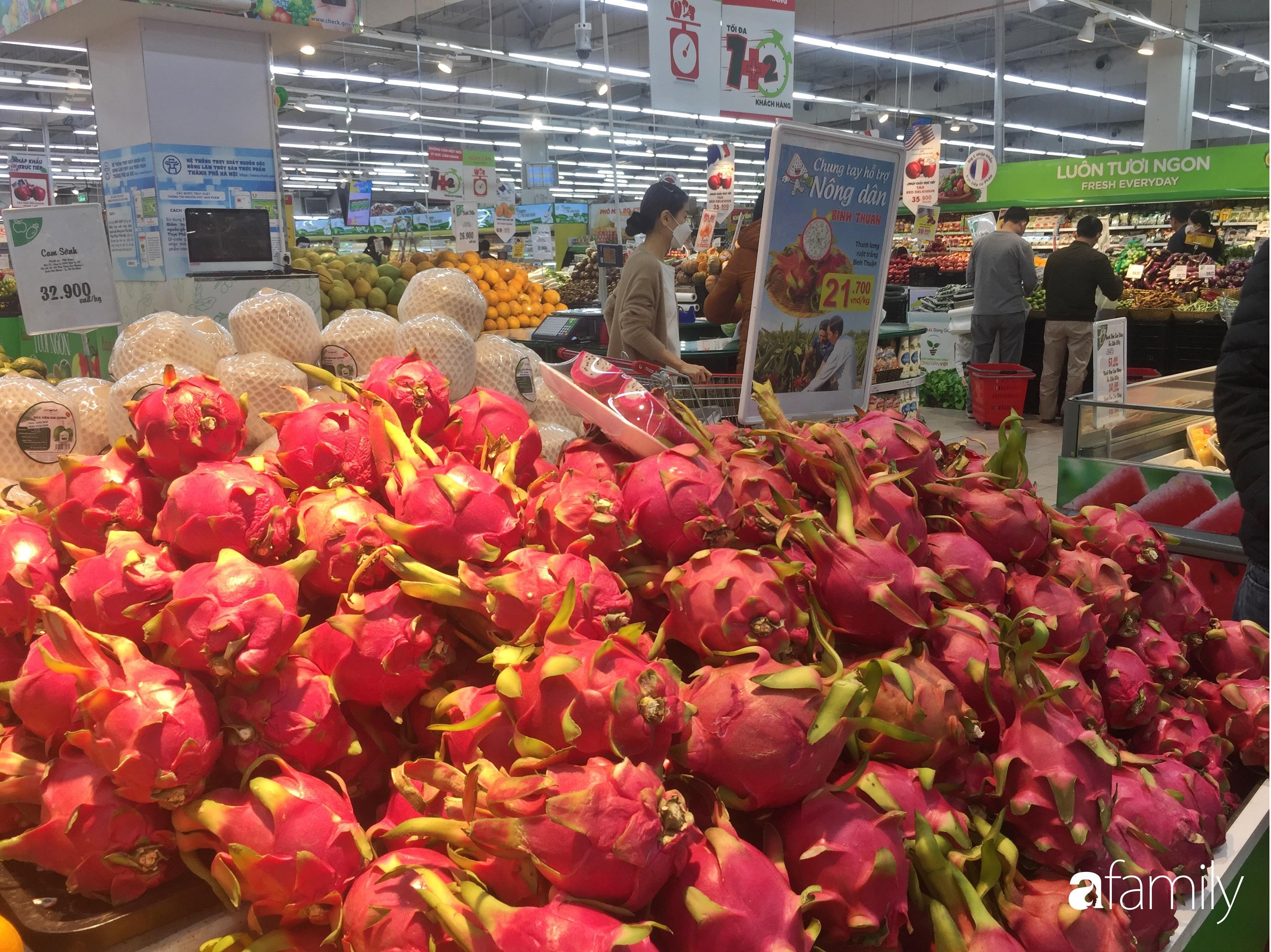 Giá ho quả trong siêu thị rẻ gấp 3 lần so với thời điểm trước Tết, dư hấu còn 6.700 đồng/kg - Ảnh 3.