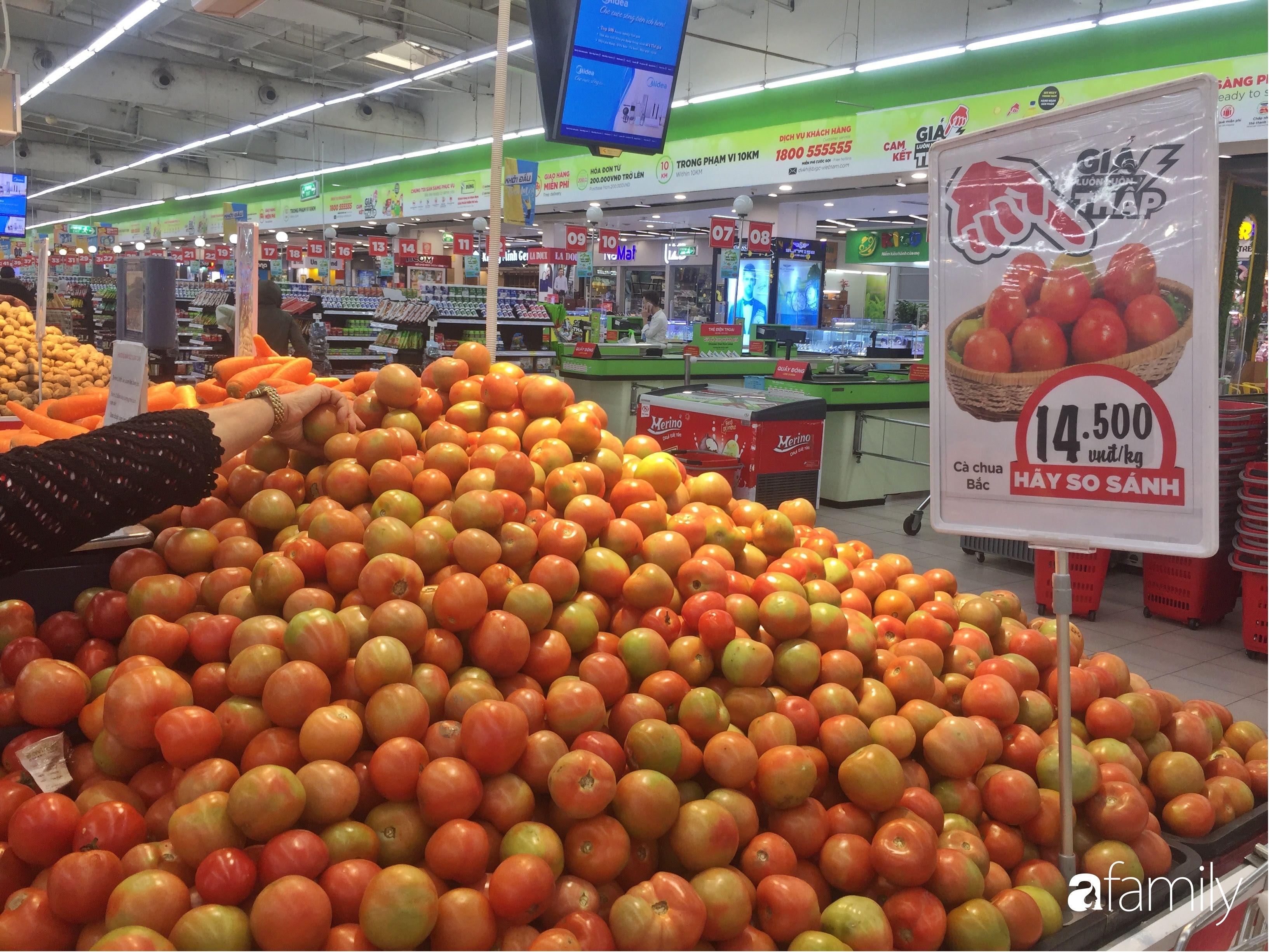 Giá ho quả trong siêu thị rẻ gấp 3 lần so với thời điểm trước Tết, dư hấu còn 6.700 đồng/kg - Ảnh 12.