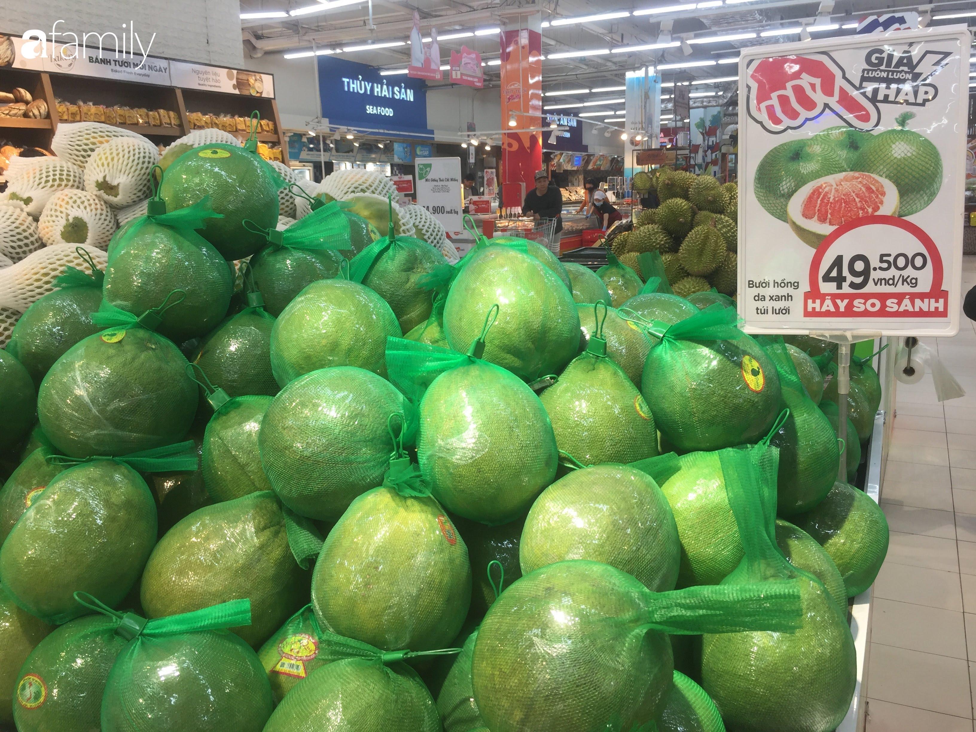 Giá ho quả trong siêu thị rẻ gấp 3 lần so với thời điểm trước Tết, dư hấu còn 6.700 đồng/kg - Ảnh 10.