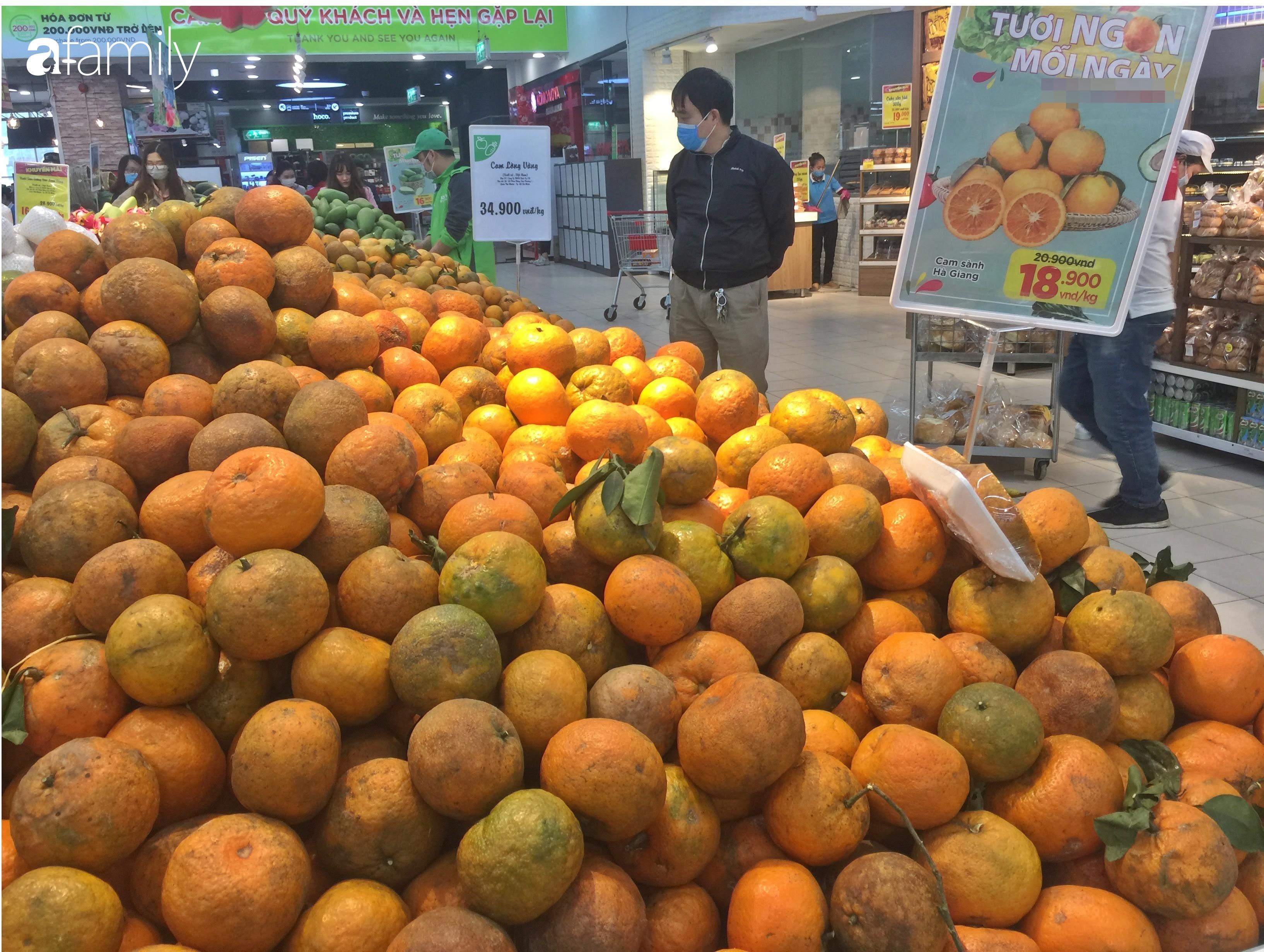 Giá ho quả trong siêu thị rẻ gấp 3 lần so với thời điểm trước Tết, dư hấu còn 6.700 đồng/kg - Ảnh 5.