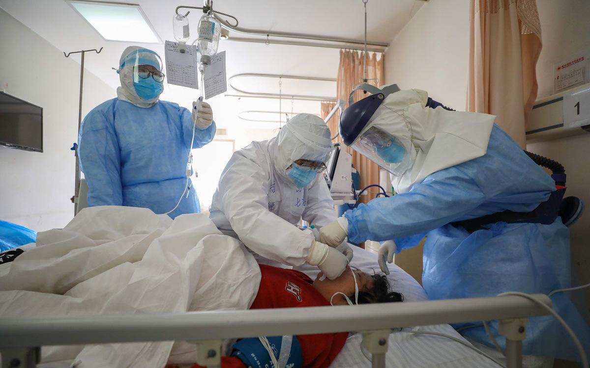 """Chuyên gia hàng đầu Trung Quốc tiết lộ """"chìa khóa vàng"""" để có thể dập tắt dịch virus corona"""
