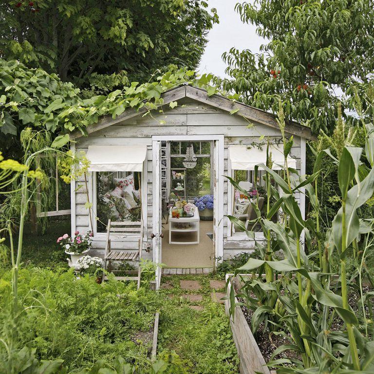 8 mẹo đơn giản thiết kế nhà kho phía sân sau đẹp như tranh vẽ dành cho việc thư giãn - Ảnh 1.