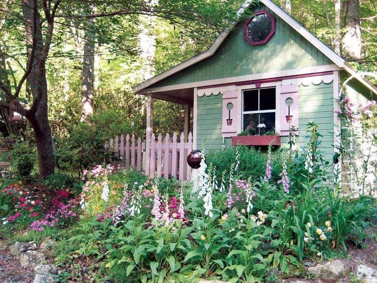 8 mẹo đơn giản thiết kế nhà kho phía sân sau đẹp như tranh vẽ dành cho việc thư giãn - Ảnh 2.