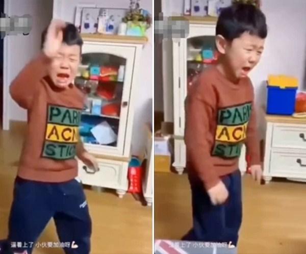 Cười lăn cười bò với 101 trò khôi hài giết thời gian của cha mẹ và con cái khi lũ trẻ phải nghỉ học ở nhà tránh dịch (P1) - Ảnh 2.