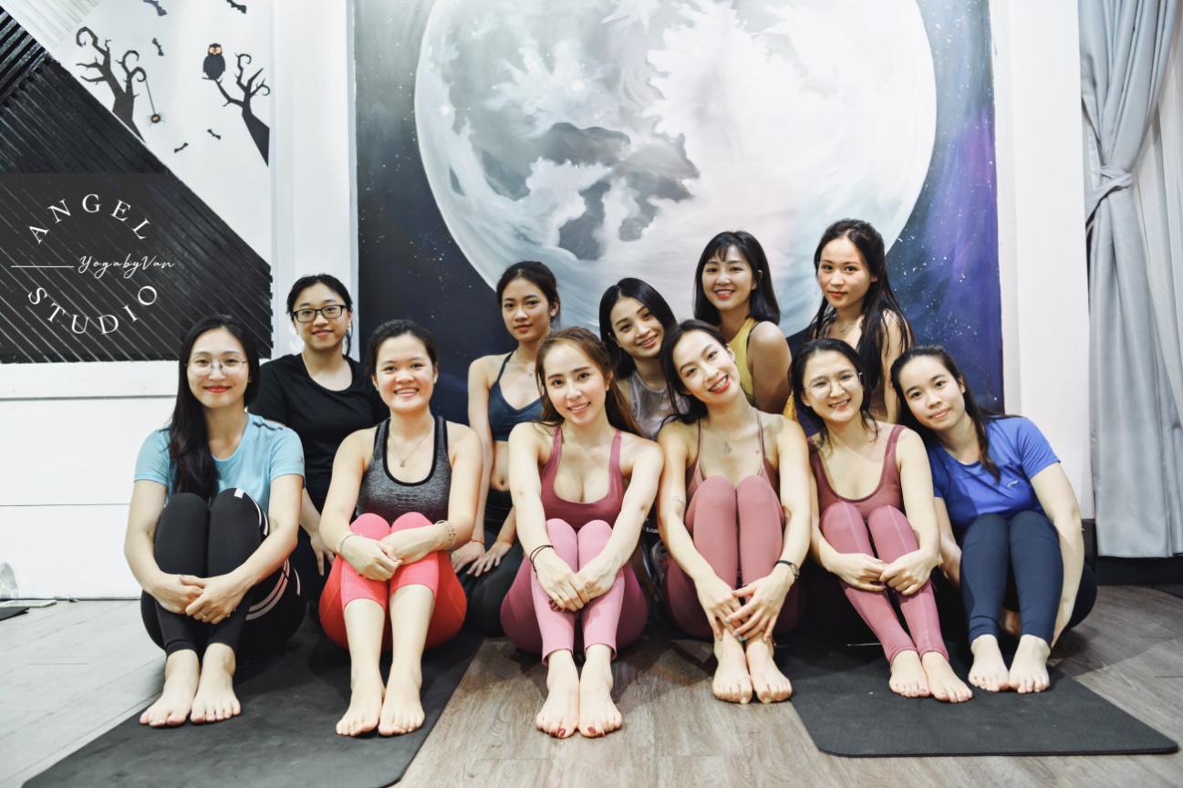 Aerial Yoga bộ môn của những cô nàng yêu cái đẹp - Ảnh 6.