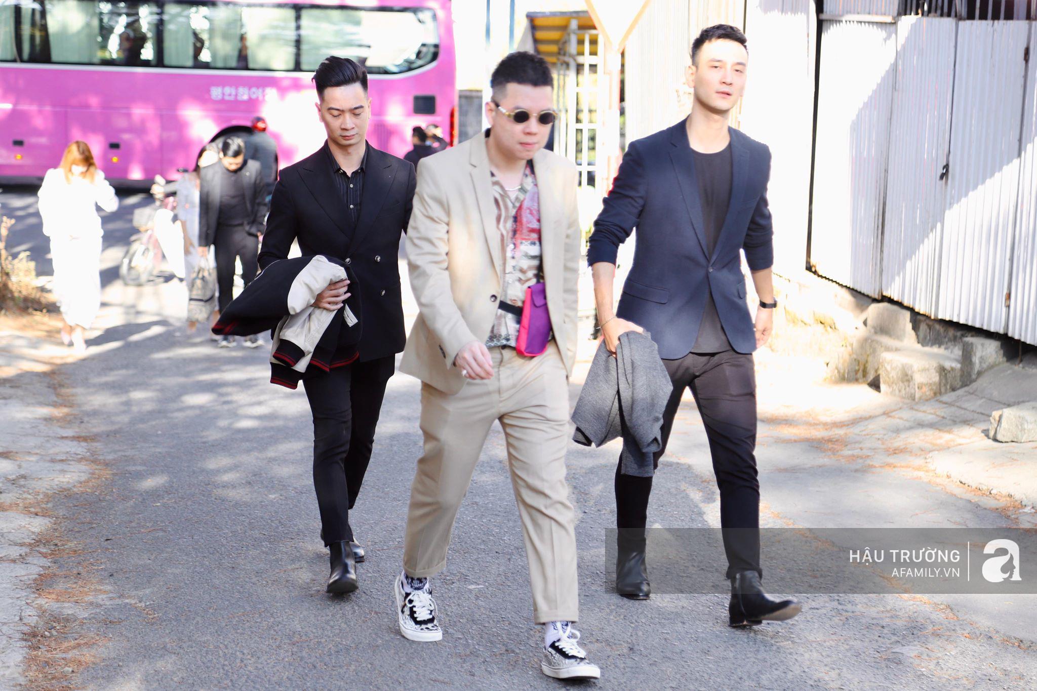 Tiệc cưới chính thức của Tóc Tiên và Hoàng Touliver: Kelbin, Tiên Tiên cùng nhiều nghệ sĩ váy áo lộng lẫy bí mật xuất hiện - Ảnh 12.