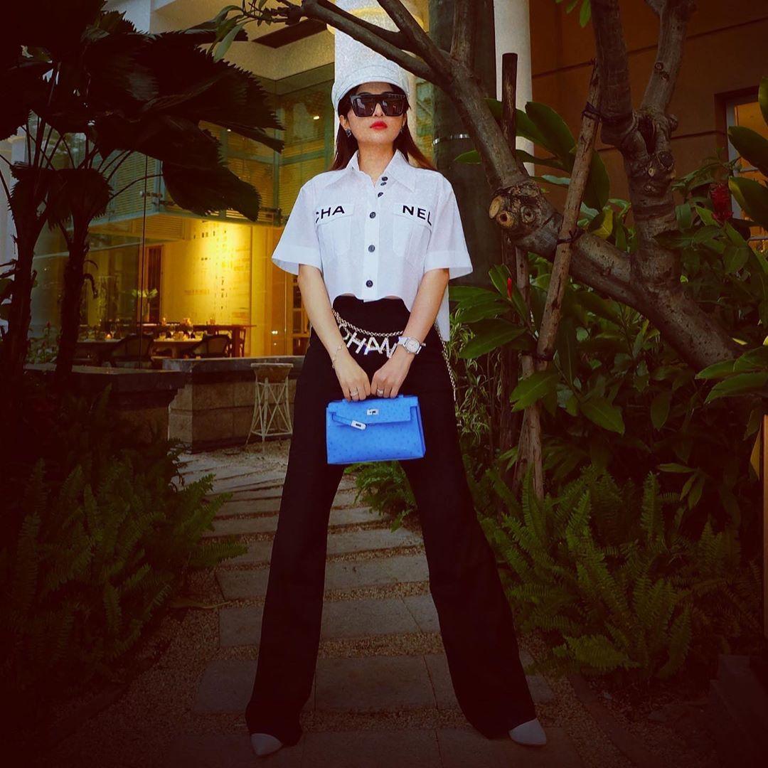 Vợ đại gia Minh Nhựa bắt trend hơi chậm, chẳng ngại so kè style từ Phượng Chanel đến Jennie - Ảnh 1.