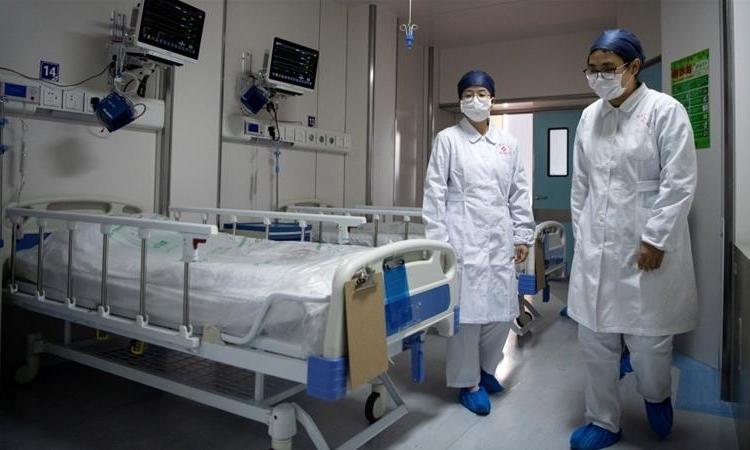Vừa công bố có thêm 13 ca nhiễm virus corona mới, Iran đã xác nhận 2 bệnh nhân trong số này đã tử vong - Ảnh 4.
