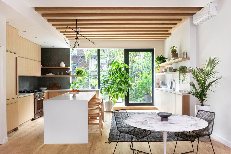 Yếu tố nhỏ nhưng có sức níu kéo cực lớn khiến bạn chẳng nỡ rời khỏi căn bếp gia đình - Ảnh 1.