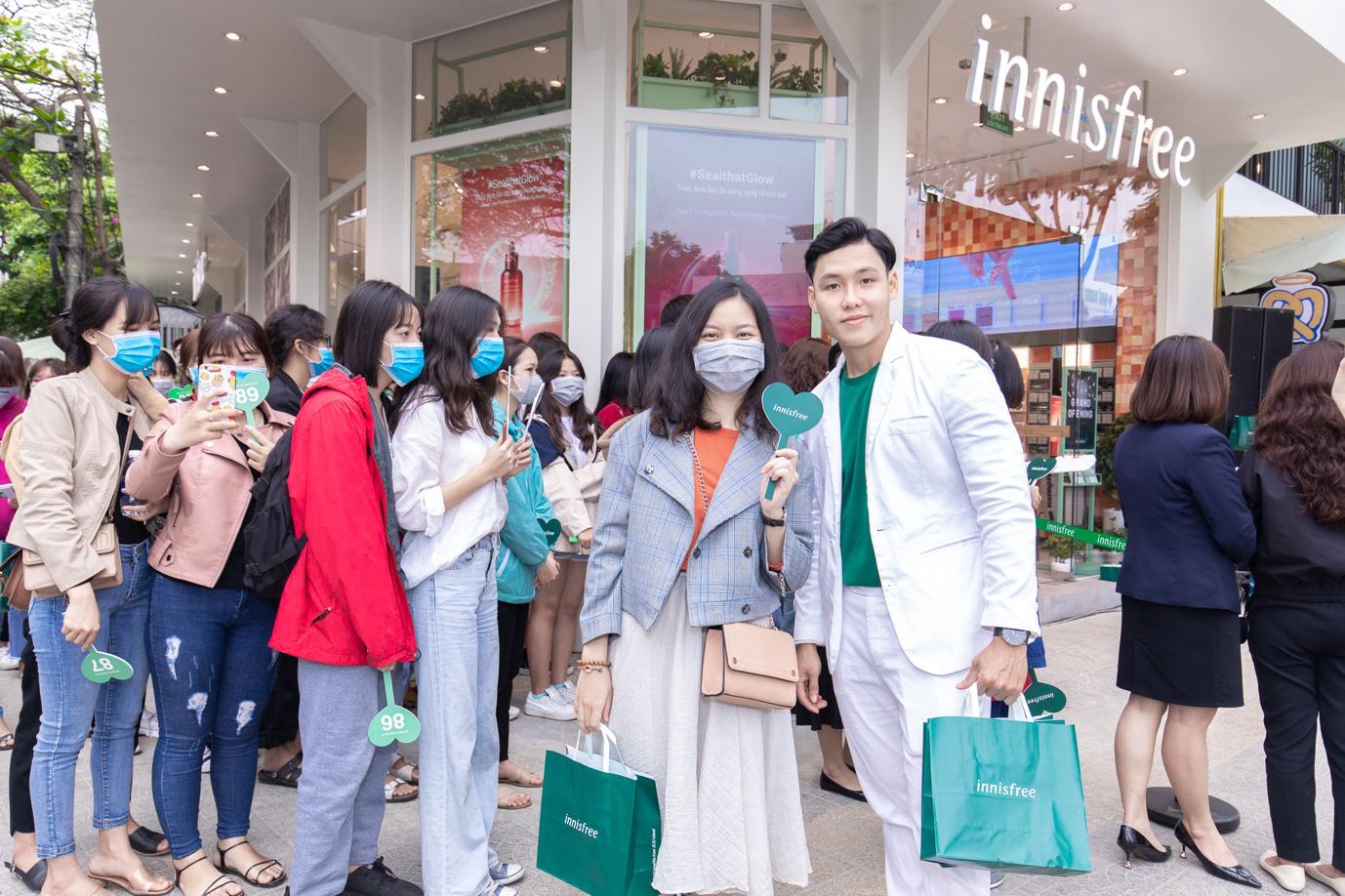 """Sướng nhất các tín đồ làm đẹp Đà Nẵng: Vừa shopping nhận quà """"khủng"""" từ innisfree, vừa nghe Phương Ly hát live cực đỉnh - Ảnh 5."""