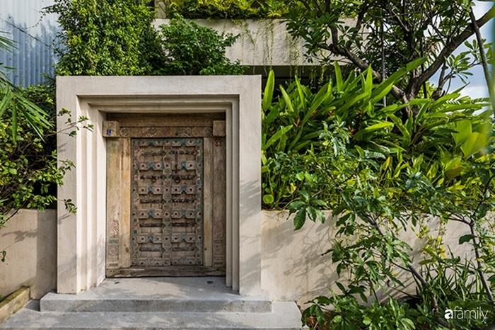 Ngôi nhà 200m² đẹp bình yên bên cây xanh trồng kín từ trệt đến mái ở quận 2, TP HCM - Ảnh 1.