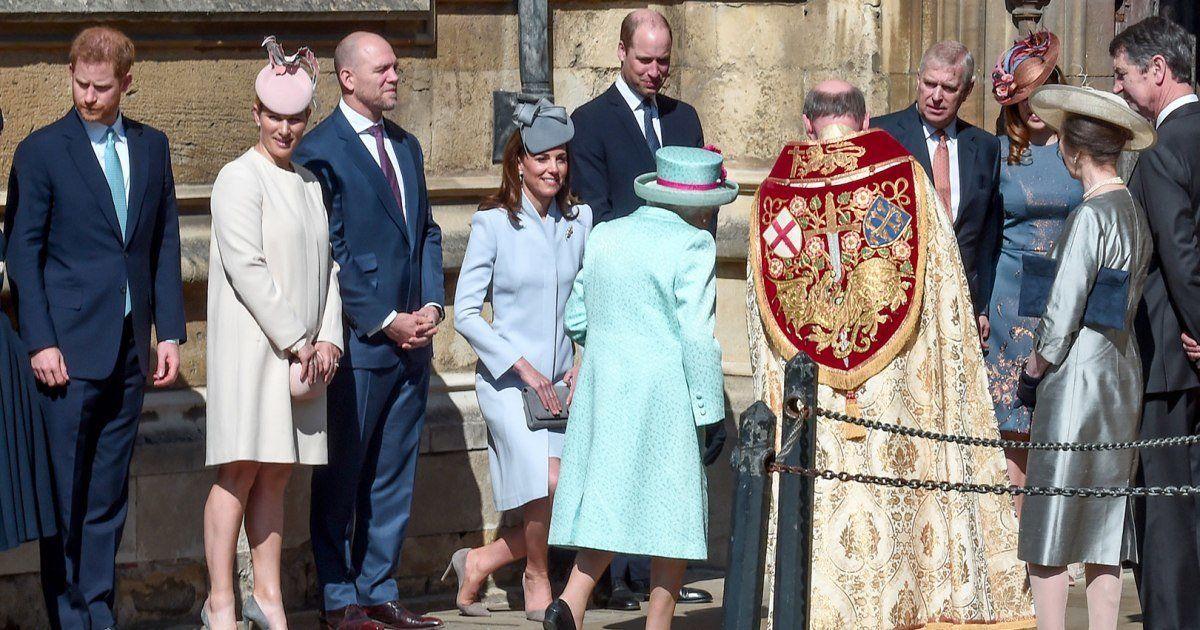 """Mặc đẹp đỉnh cao còn khéo """"nịnh"""" Nữ hoàng, bảo sao Công nương Kate luôn được dân tình yêu quý hết mực - Ảnh 5."""