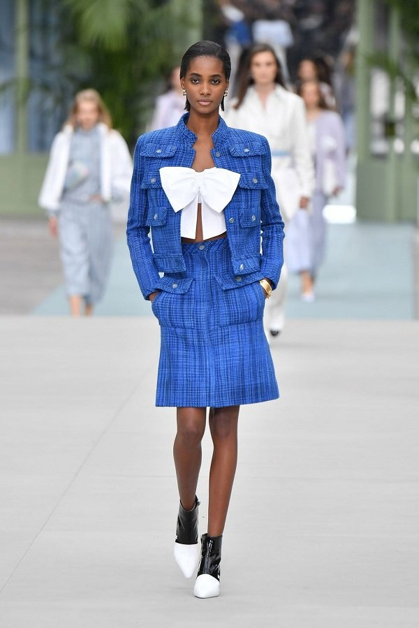 Một bộ đầm Chanel cả dàn sao Hoa - Việt - Hàn đụng độ: Chị đẹp Son Ye Jin sang chảnh ngút ngàn nhưng cây đồ của Jennie trị giá hơn 360 triệu mới là điều đáng nói - Ảnh 8.